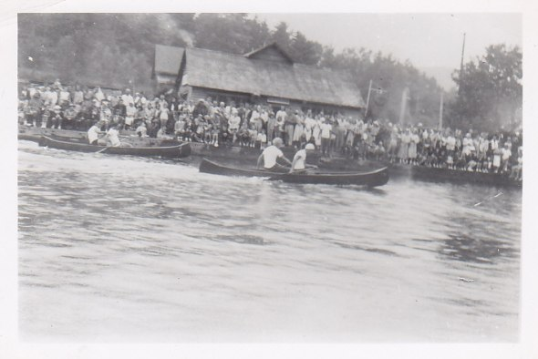 Dorset Regatta 1953 with big crowds